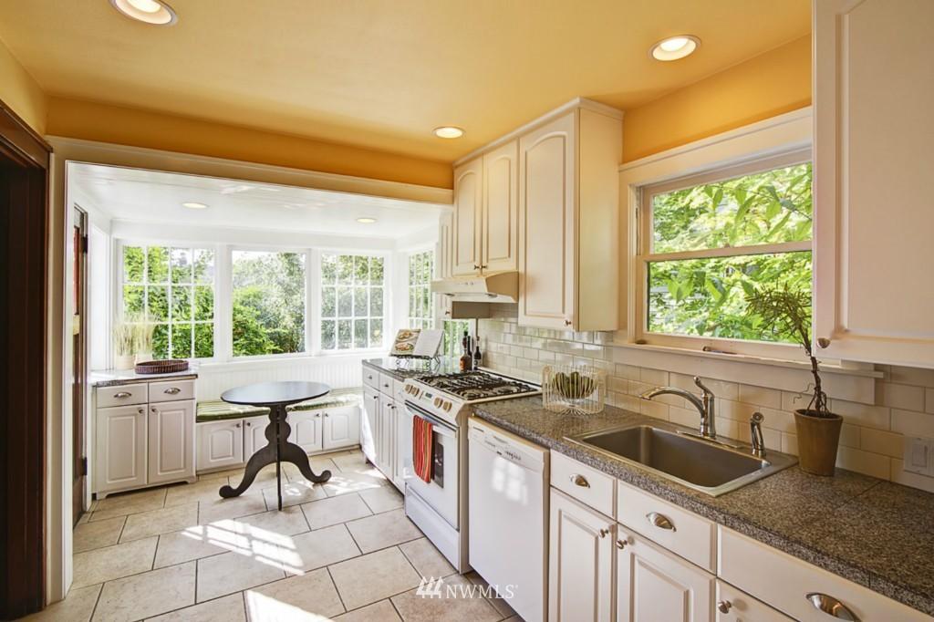 Sold Property | 109 NE 52nd Street Seattle, WA 98105 4