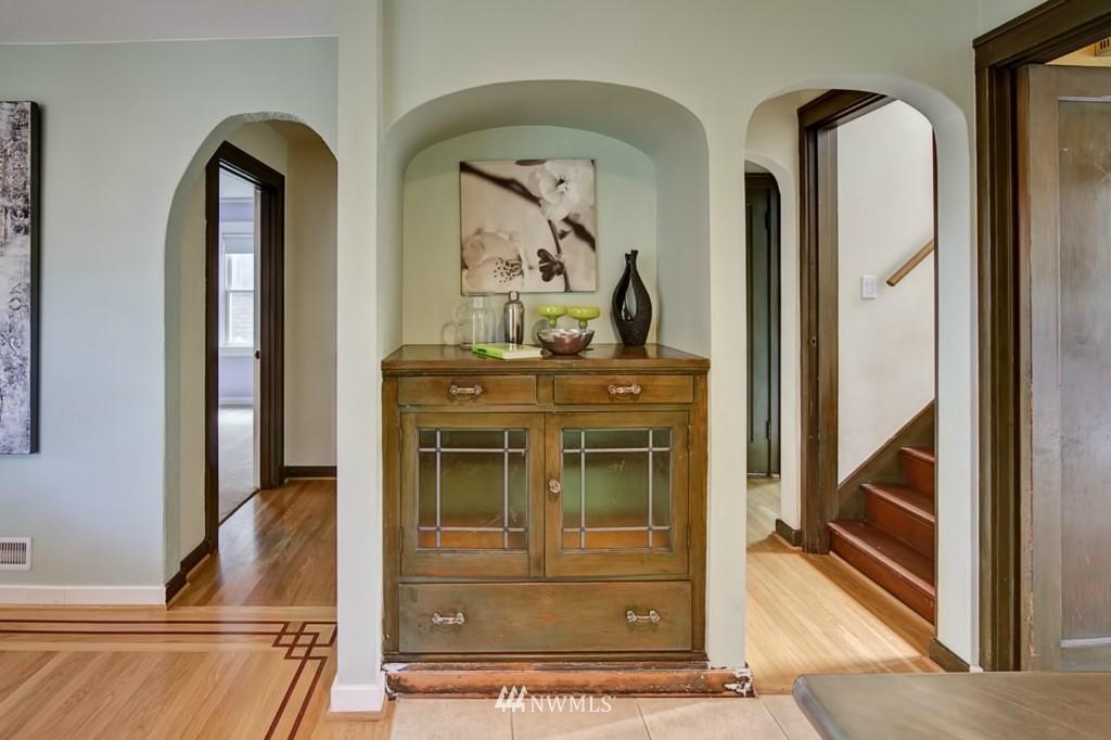 Sold Property | 109 NE 52nd Street Seattle, WA 98105 5