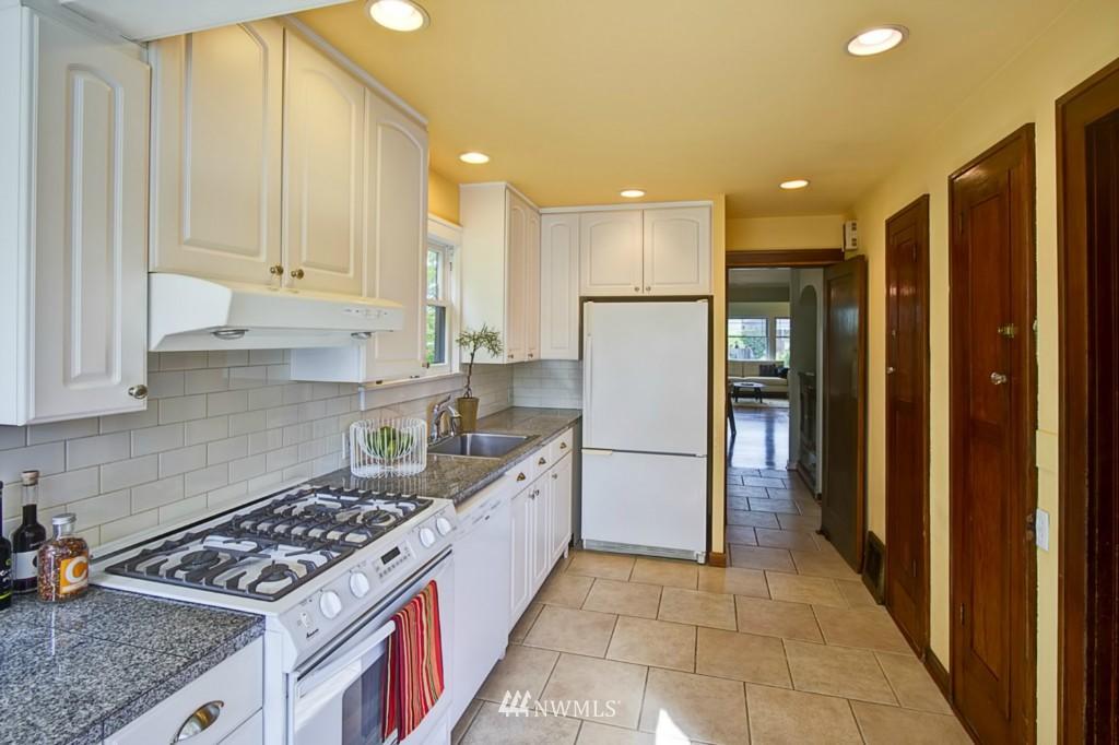 Sold Property | 109 NE 52nd Street Seattle, WA 98105 6