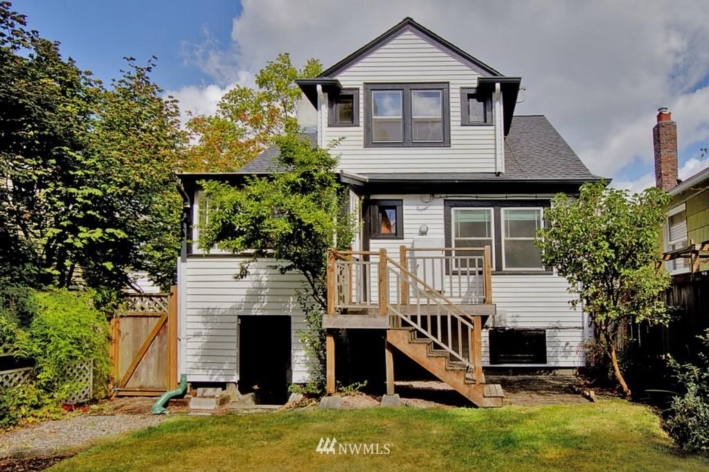 Sold Property | 109 NE 52nd Street Seattle, WA 98105 12