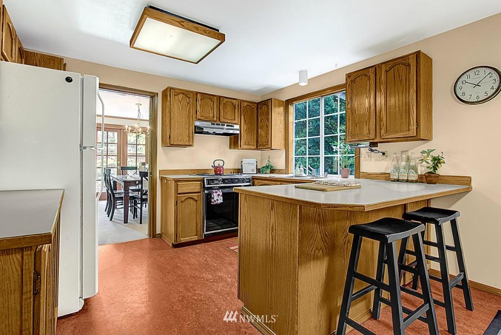 Sold Property   6212 39th Avenue NE Seattle, WA 98115 5