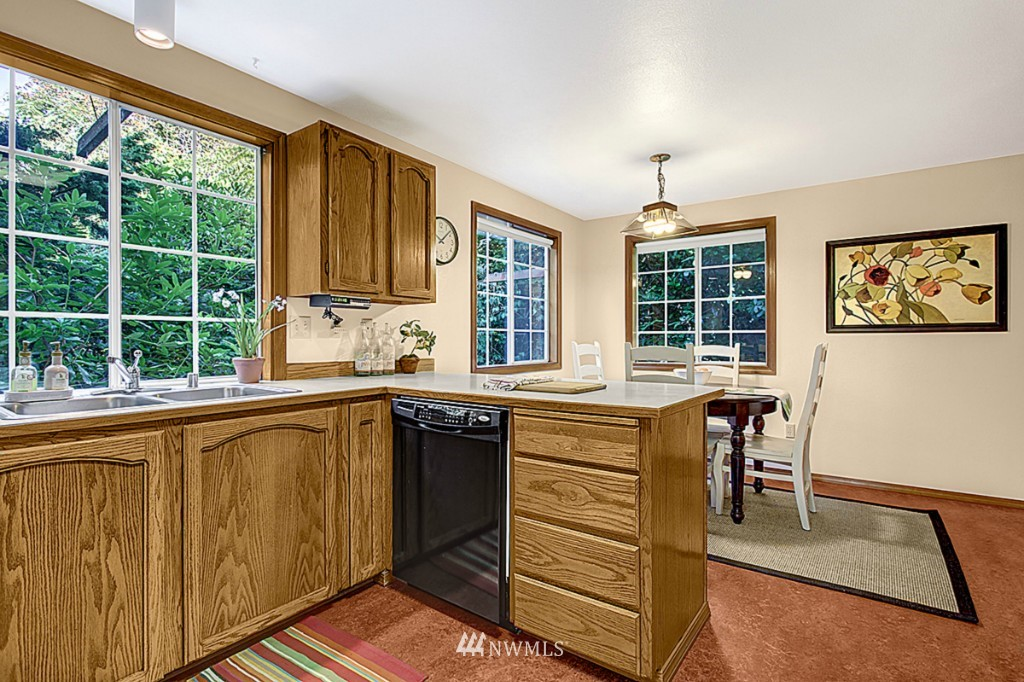 Sold Property   6212 39th Avenue NE Seattle, WA 98115 6