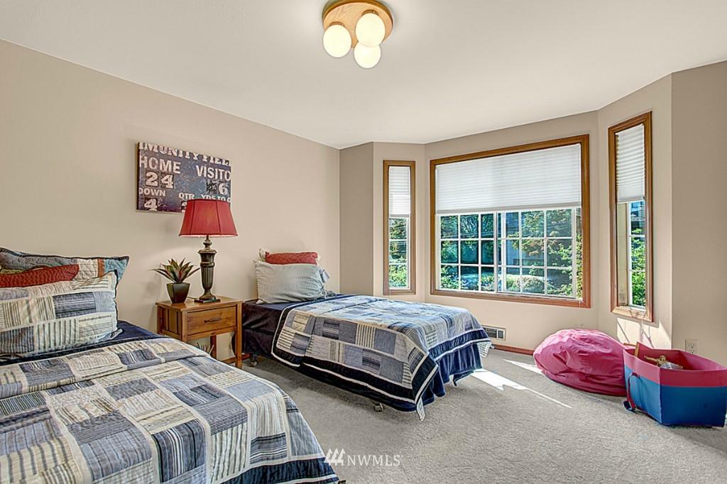 Sold Property   6212 39th Avenue NE Seattle, WA 98115 9