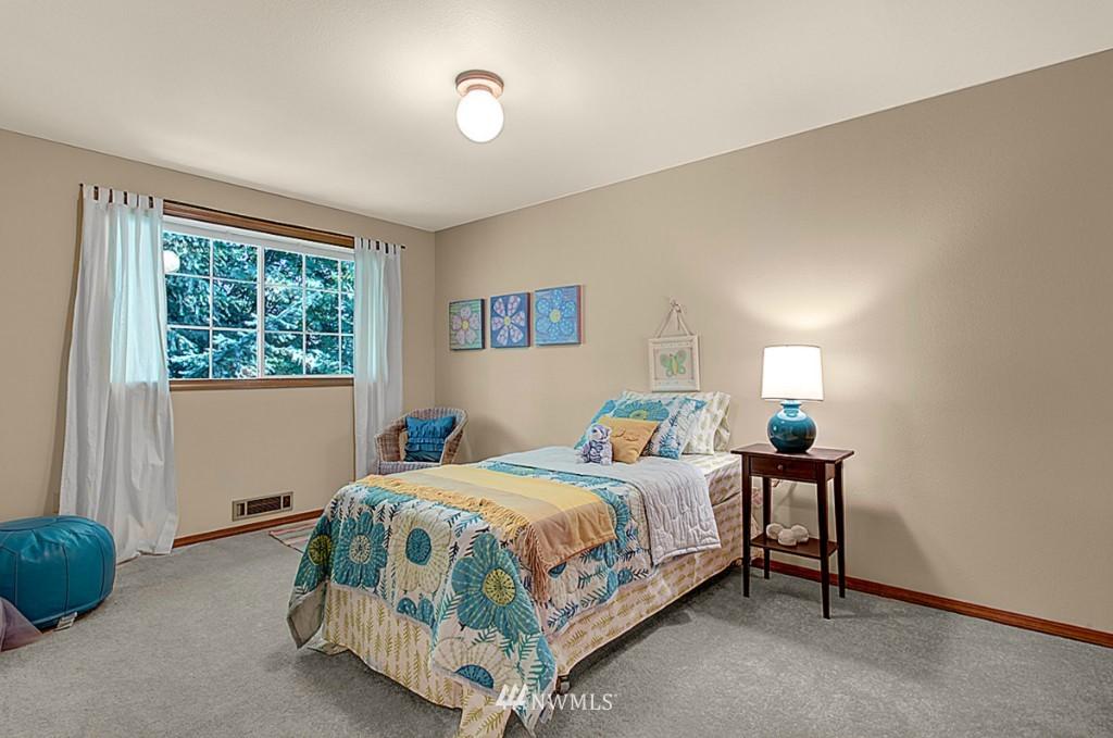 Sold Property   6212 39th Avenue NE Seattle, WA 98115 10