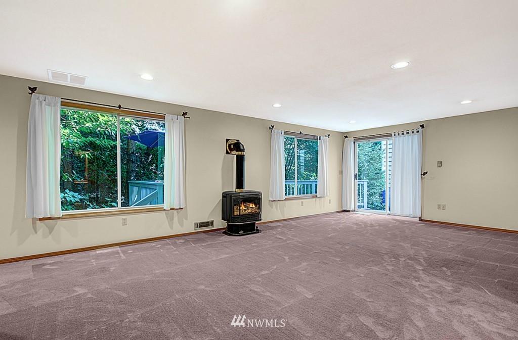 Sold Property   6212 39th Avenue NE Seattle, WA 98115 11