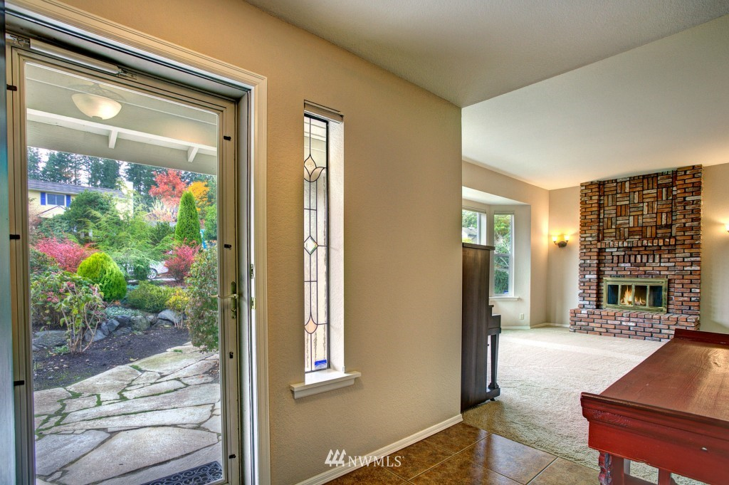 Sold Property | 21817 Oak  Way Brier, WA 98036 1