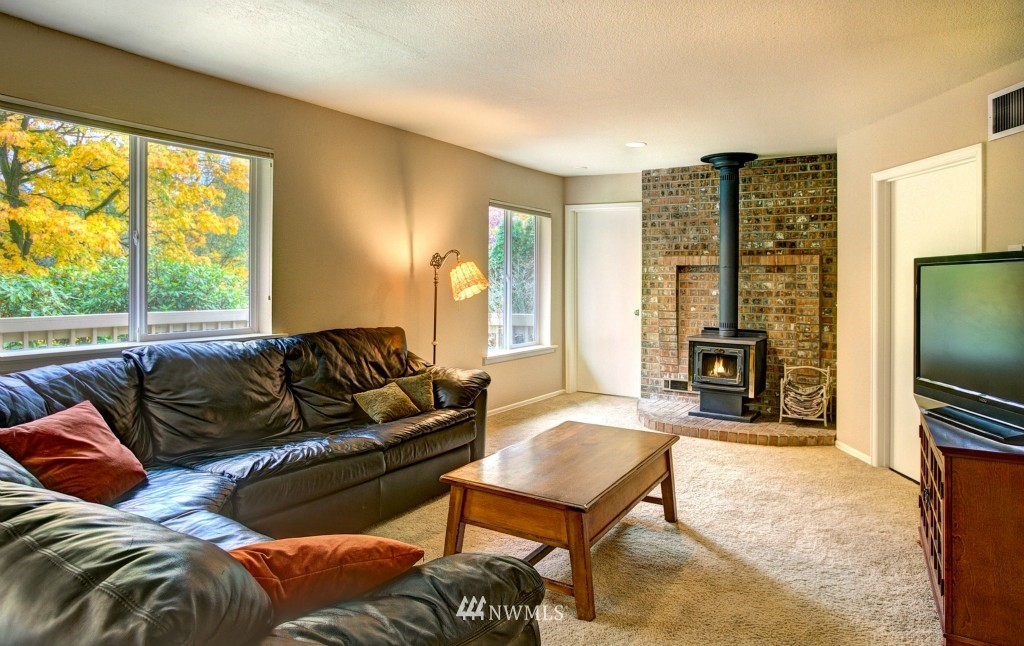 Sold Property | 21817 Oak  Way Brier, WA 98036 5