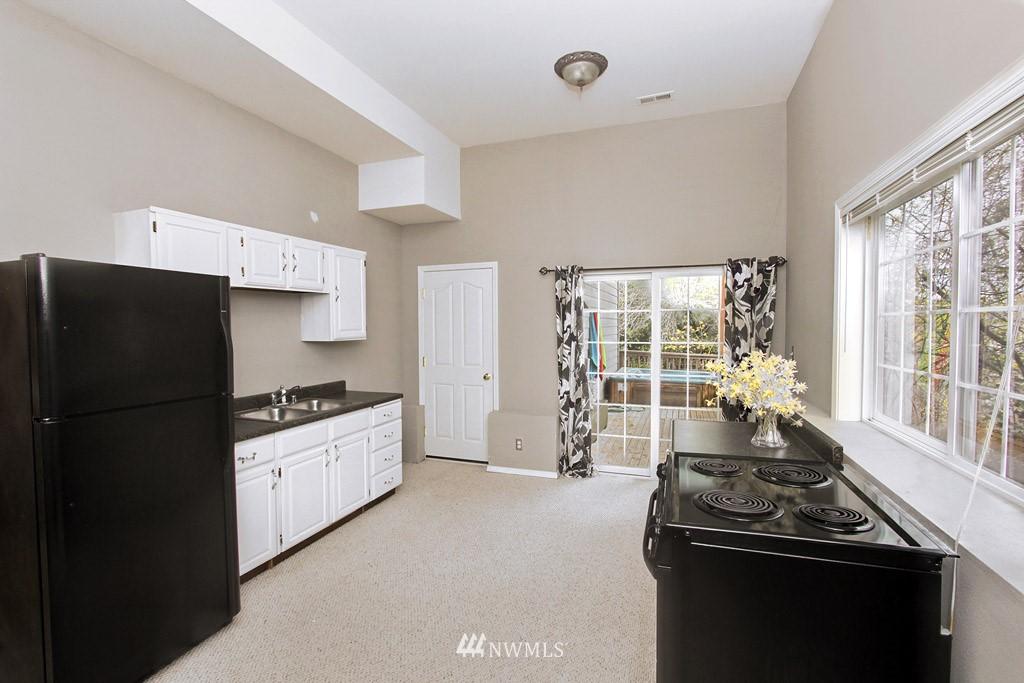 Sold Property   2424 S Ferdinand Street Seattle, WA 98108 12