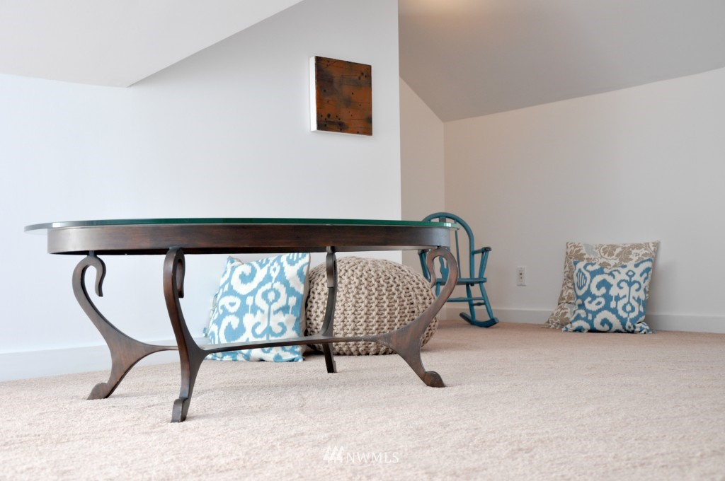 Sold Property | 140 NE 63rd Street Seattle, WA 98115 9