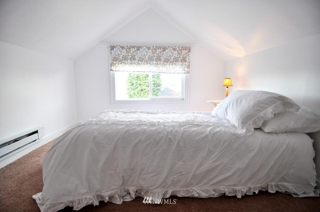 Sold Property | 140 NE 63rd Street Seattle, WA 98115 10
