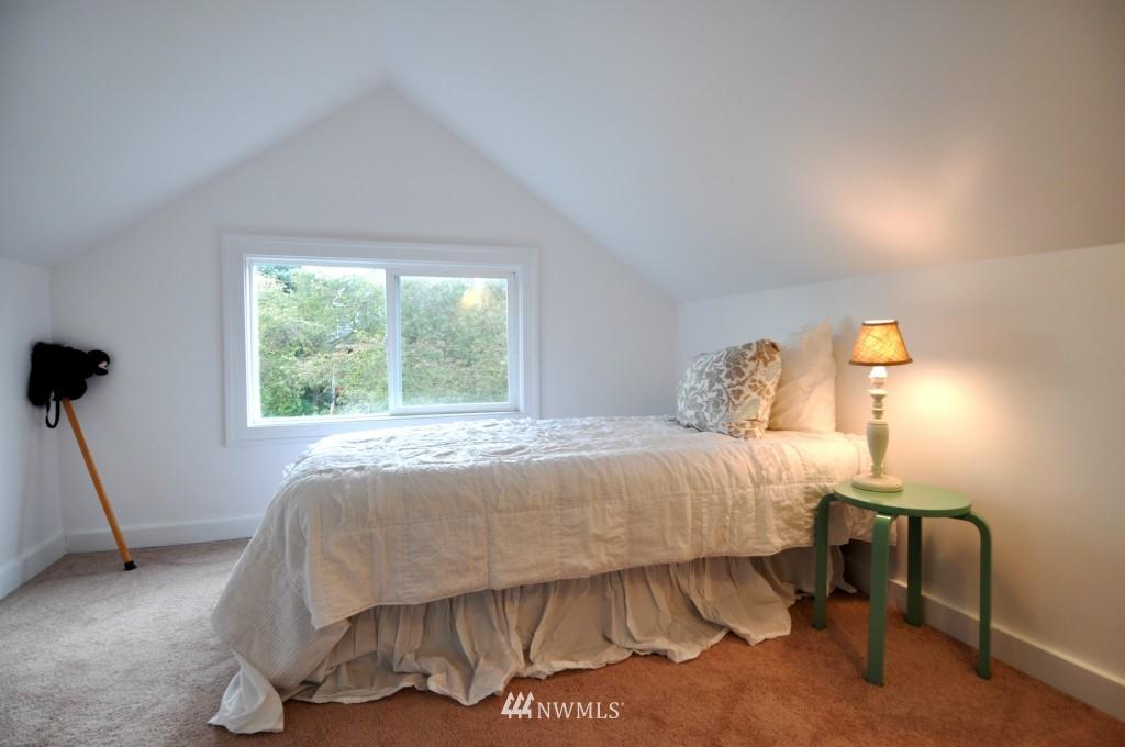 Sold Property | 140 NE 63rd Street Seattle, WA 98115 11