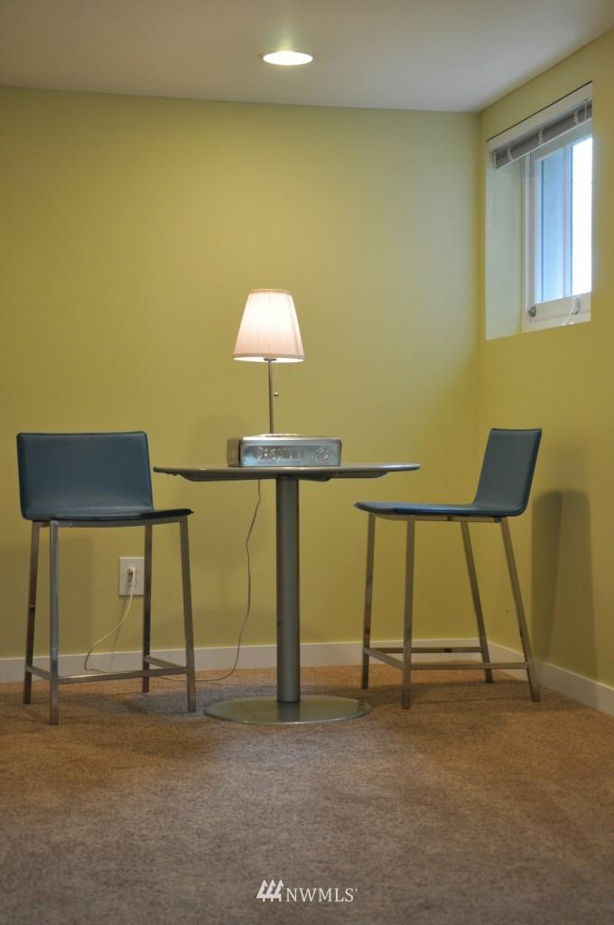 Sold Property | 140 NE 63rd Street Seattle, WA 98115 12