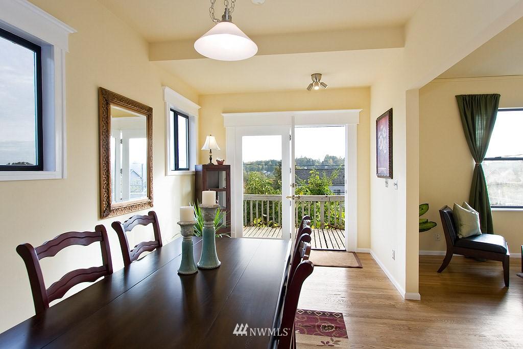 Sold Property | 2449 E Aloha Street Seattle, WA 98112 7