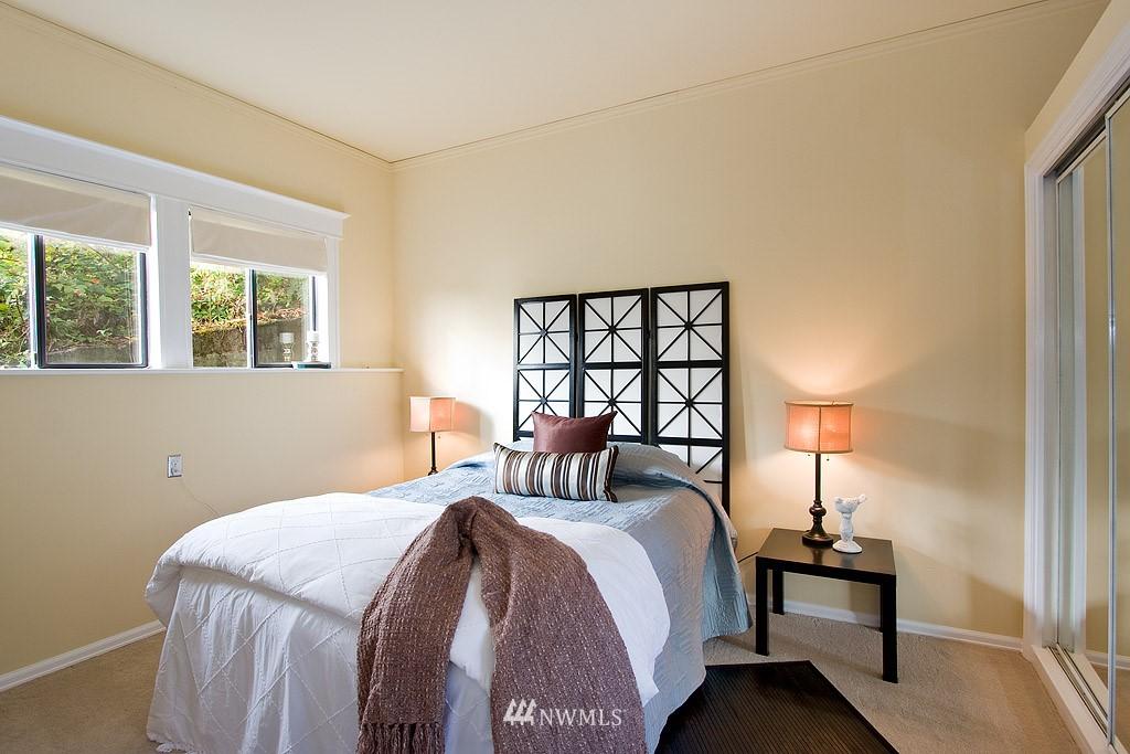 Sold Property | 2449 E Aloha Street Seattle, WA 98112 8