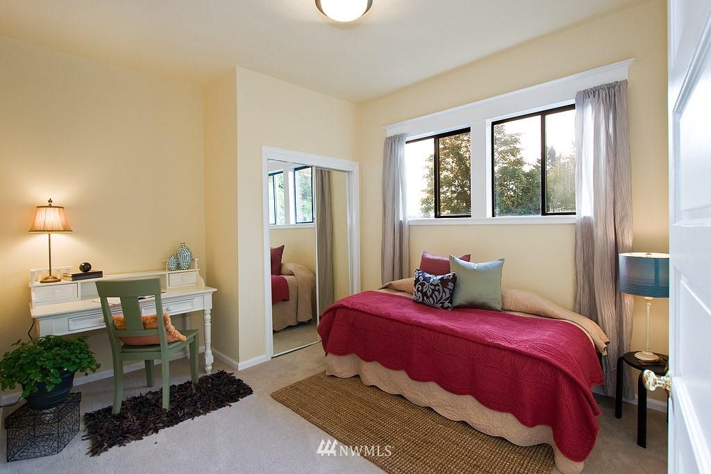 Sold Property | 2449 E Aloha Street Seattle, WA 98112 10