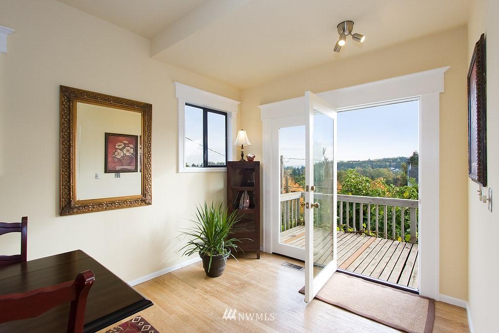 Sold Property | 2449 E Aloha Street Seattle, WA 98112 11