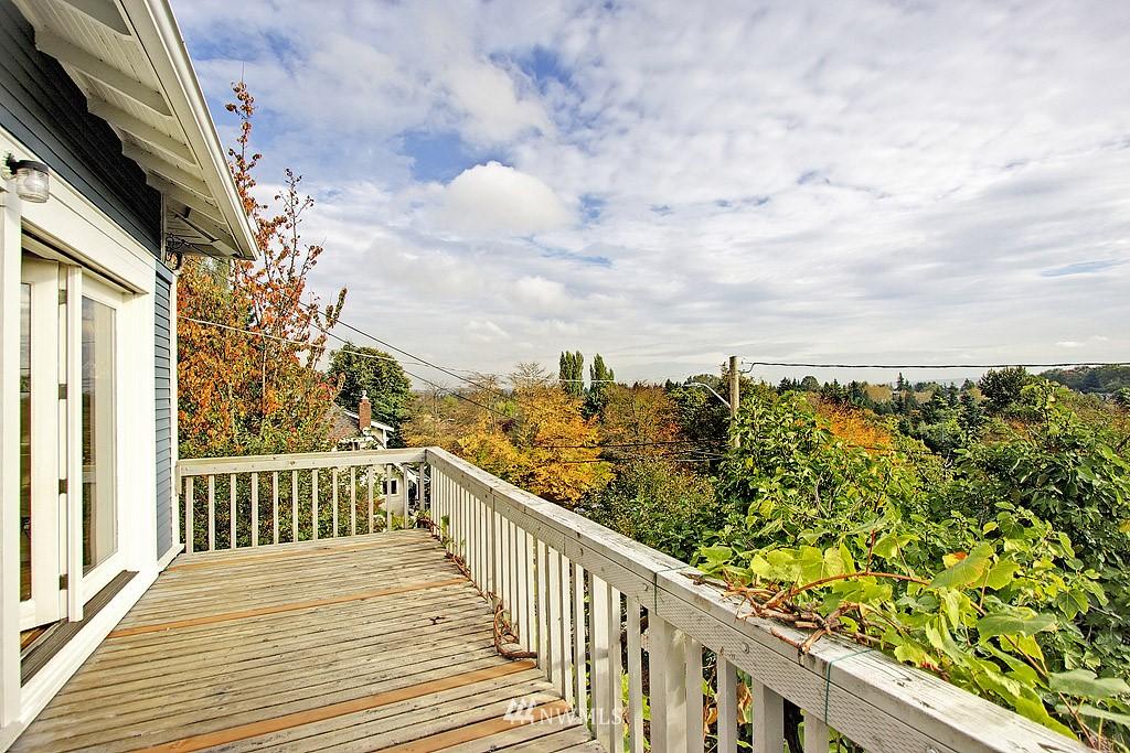 Sold Property | 2449 E Aloha Street Seattle, WA 98112 12