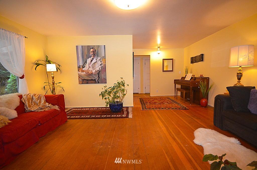 Sold Property   816 NE 98th Street Seattle, WA 98115 1