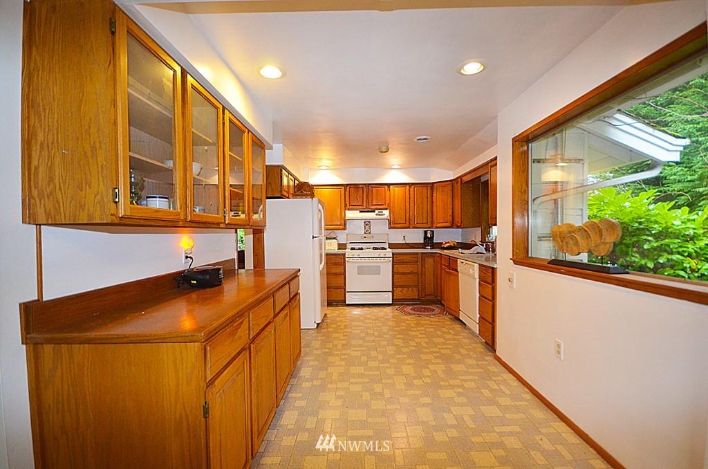 Sold Property   816 NE 98th Street Seattle, WA 98115 2