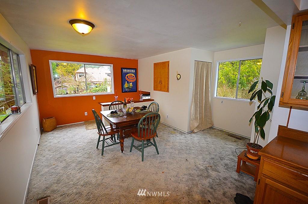 Sold Property   816 NE 98th Street Seattle, WA 98115 3