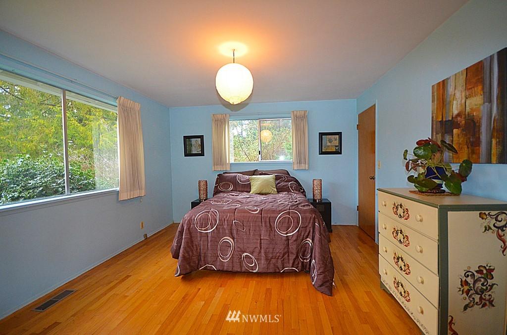 Sold Property   816 NE 98th Street Seattle, WA 98115 5