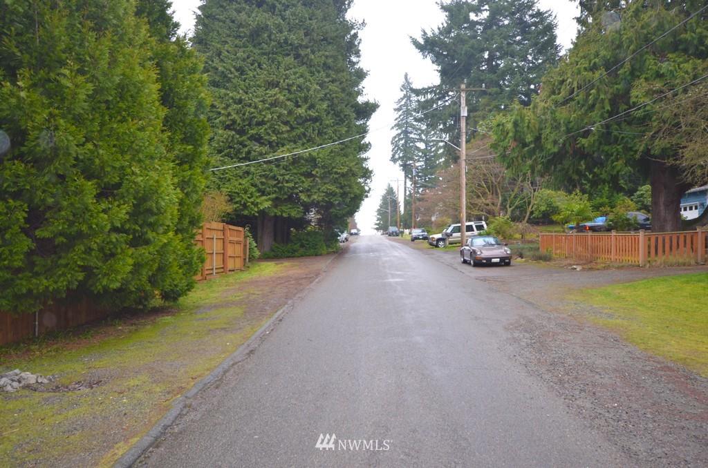 Sold Property   816 NE 98th Street Seattle, WA 98115 14