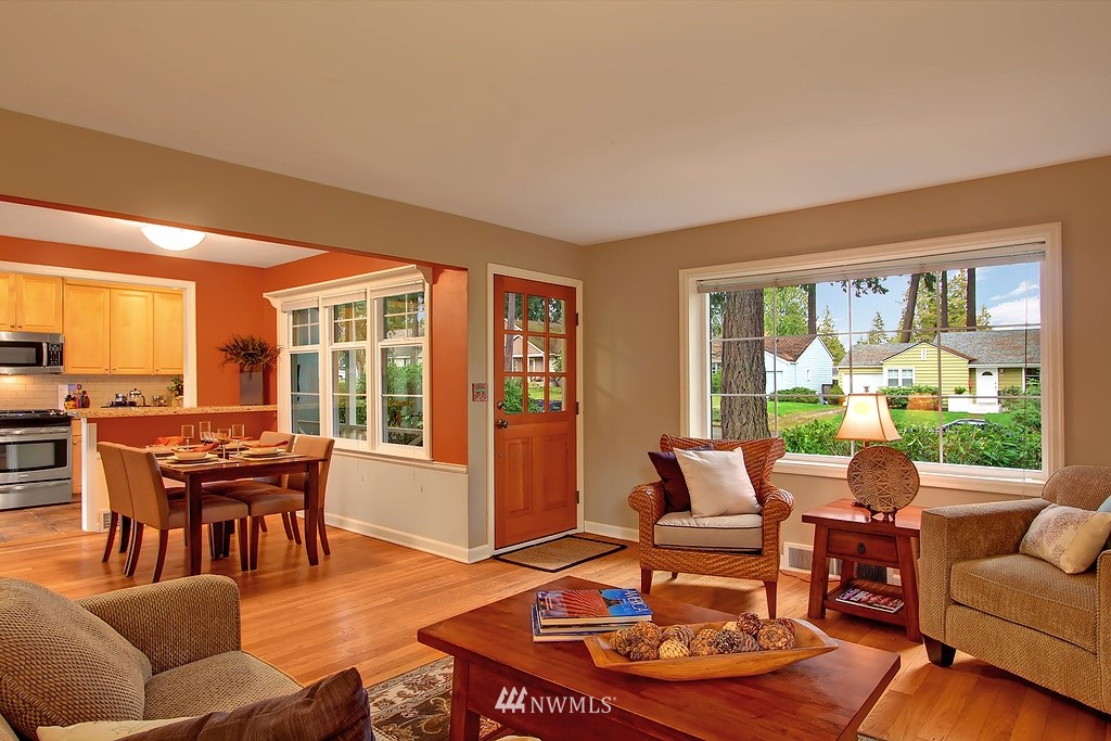 Sold Property | 3133 NE 84th Street Seattle, WA 98115 1