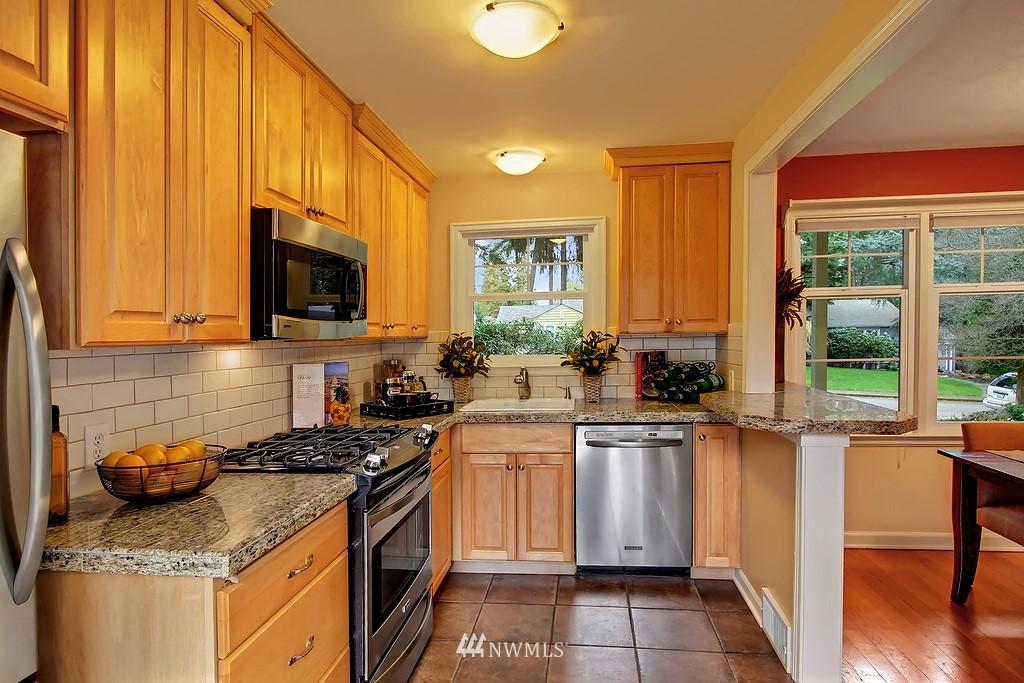 Sold Property | 3133 NE 84th Street Seattle, WA 98115 5