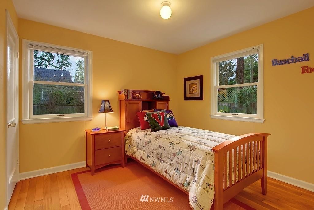 Sold Property | 3133 NE 84th Street Seattle, WA 98115 6