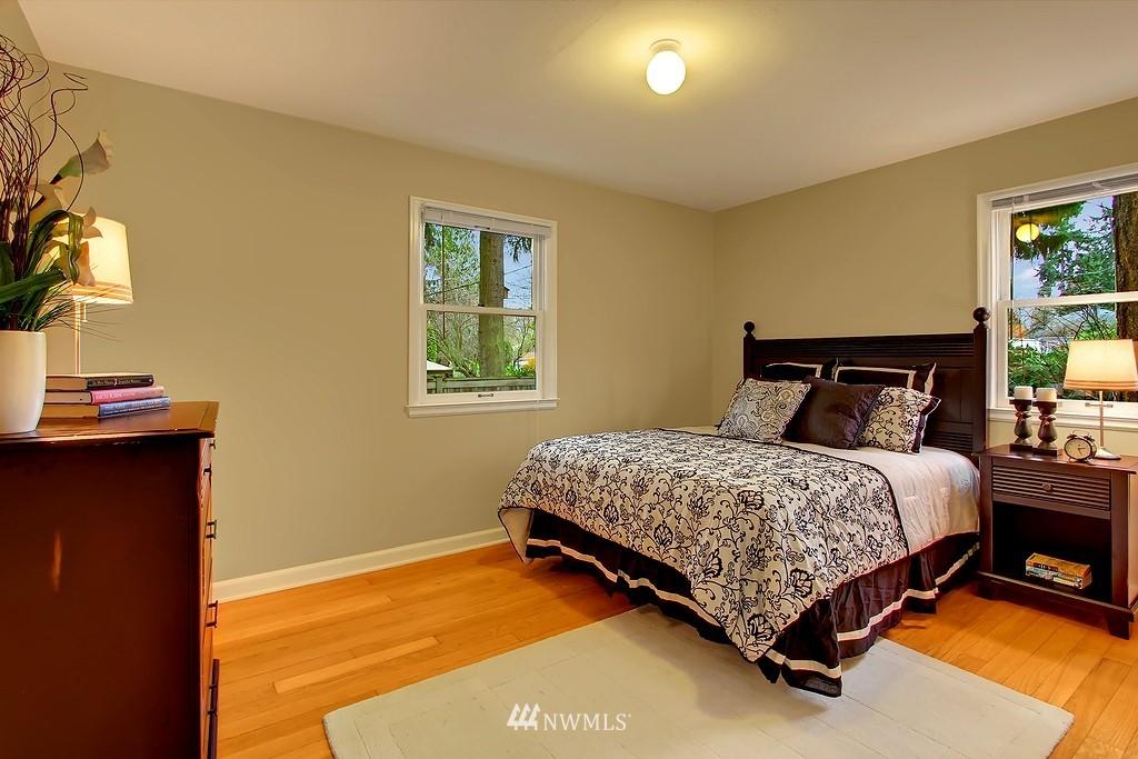 Sold Property | 3133 NE 84th Street Seattle, WA 98115 7