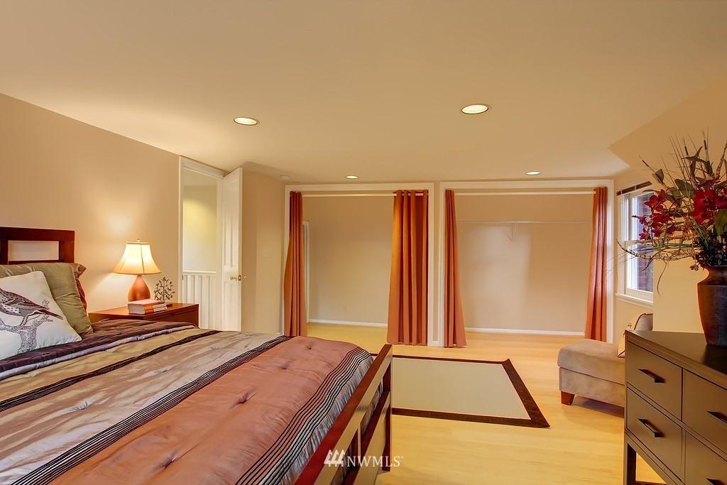 Sold Property | 3133 NE 84th Street Seattle, WA 98115 11