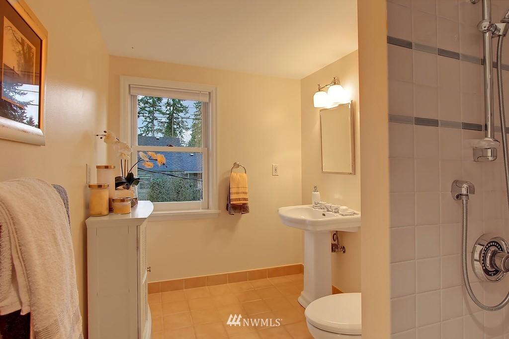 Sold Property | 3133 NE 84th Street Seattle, WA 98115 12