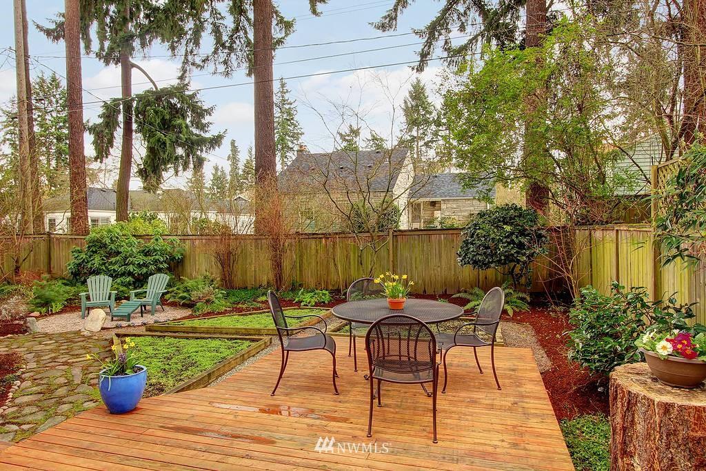 Sold Property | 3133 NE 84th Street Seattle, WA 98115 14