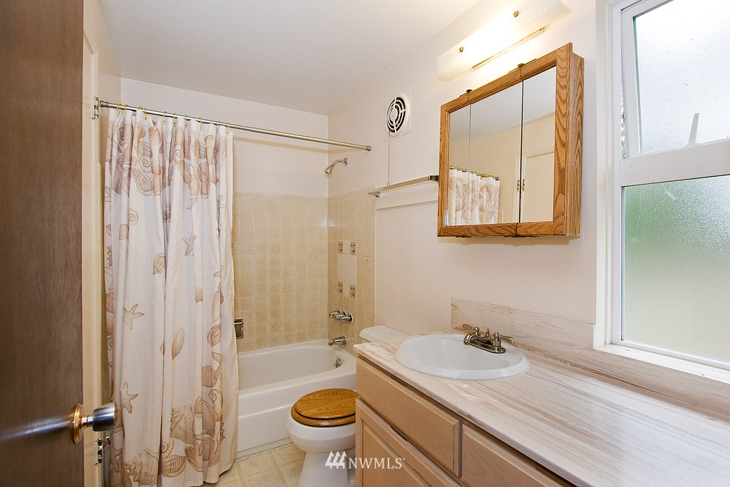 Sold Property | 316 NE 191st Shoreline, WA 98155 7