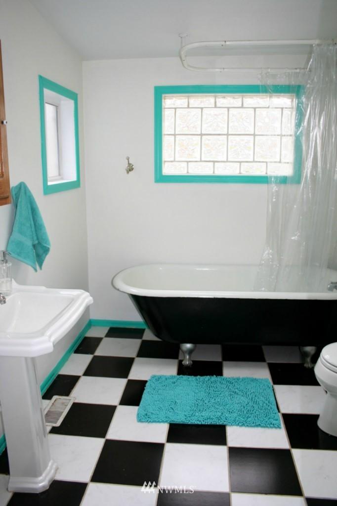 Sold Property | 4614 S Juneau Street Seattle, WA 98118 3