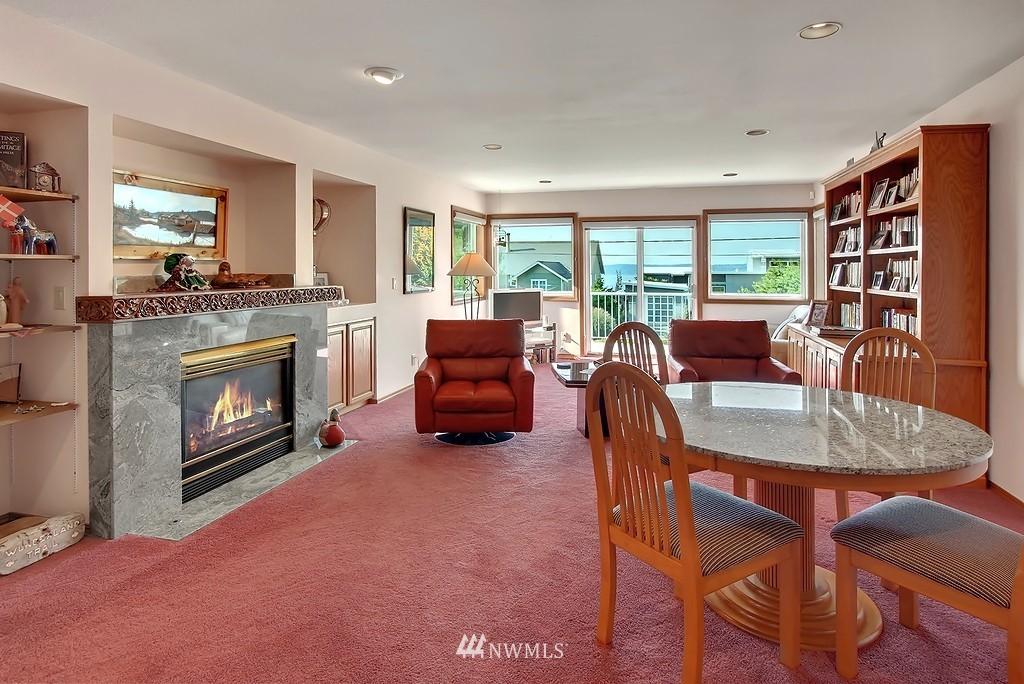 Sold Property | 11270 Marine View Drive SW Seattle, WA 98146 4