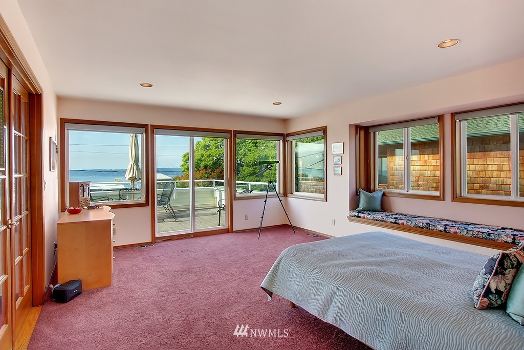 Sold Property | 11270 Marine View Drive SW Seattle, WA 98146 5