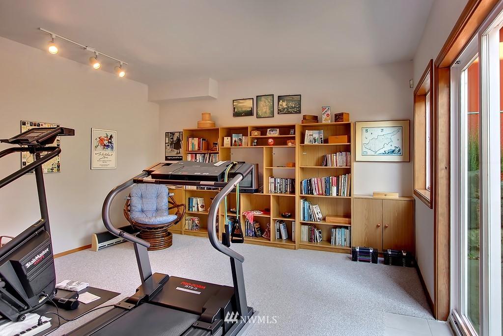 Sold Property | 11270 Marine View Drive SW Seattle, WA 98146 7