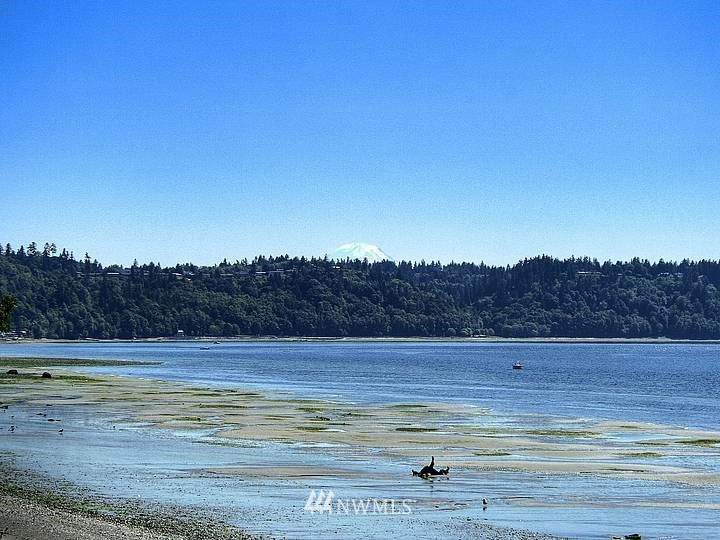 Sold Property | 11270 Marine View Drive SW Seattle, WA 98146 13