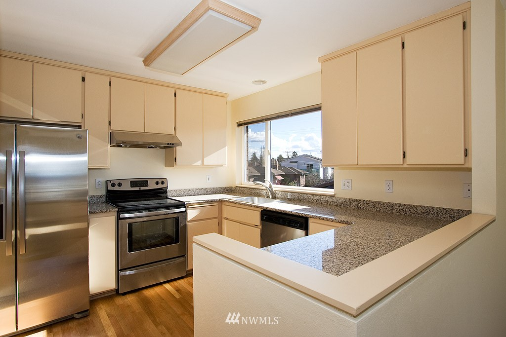 Sold Property   4405 Powell Place S Seattle, WA 98108 3