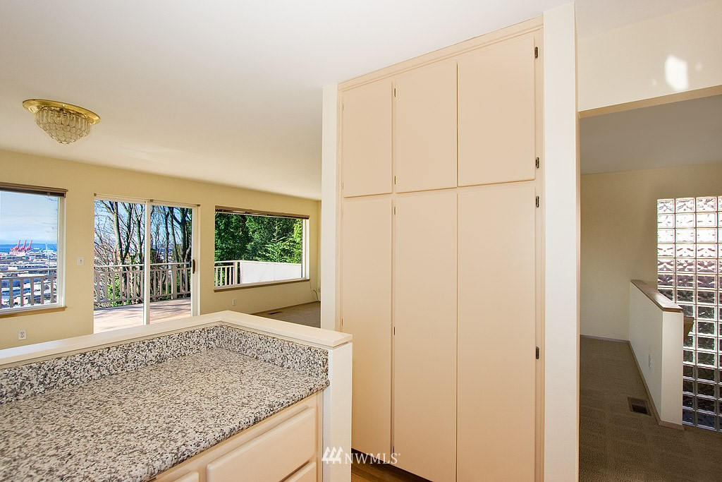 Sold Property   4405 Powell Place S Seattle, WA 98108 4