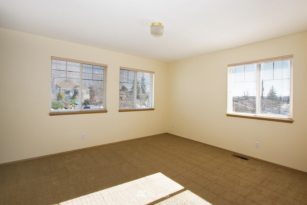 Sold Property   4405 Powell Place S Seattle, WA 98108 6