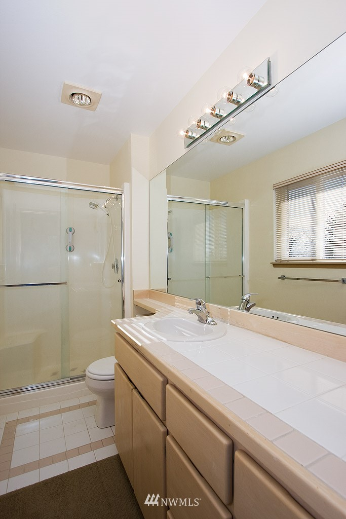 Sold Property   4405 Powell Place S Seattle, WA 98108 7