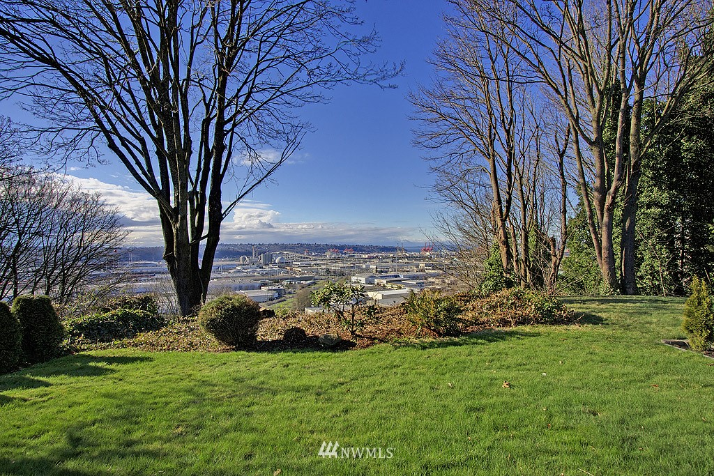 Sold Property   4405 Powell Place S Seattle, WA 98108 14