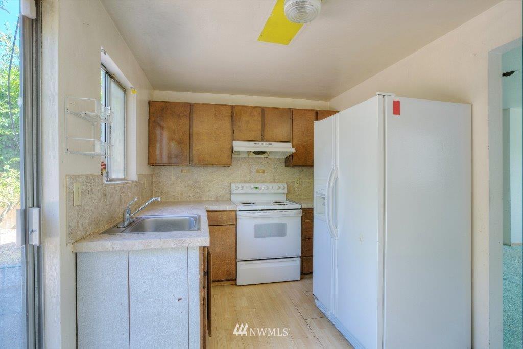 Sold Property | 2907 Harris Place S Seattle, WA 98144 2