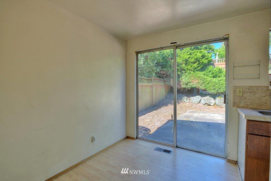 Sold Property | 2907 Harris Place S Seattle, WA 98144 3