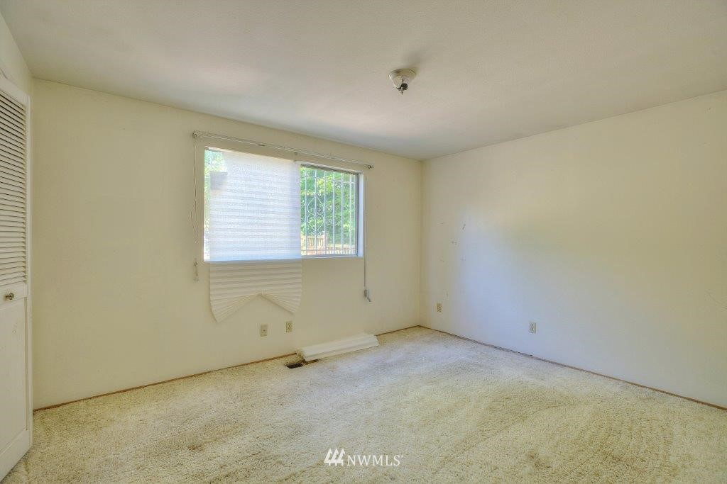 Sold Property | 2907 Harris Place S Seattle, WA 98144 5