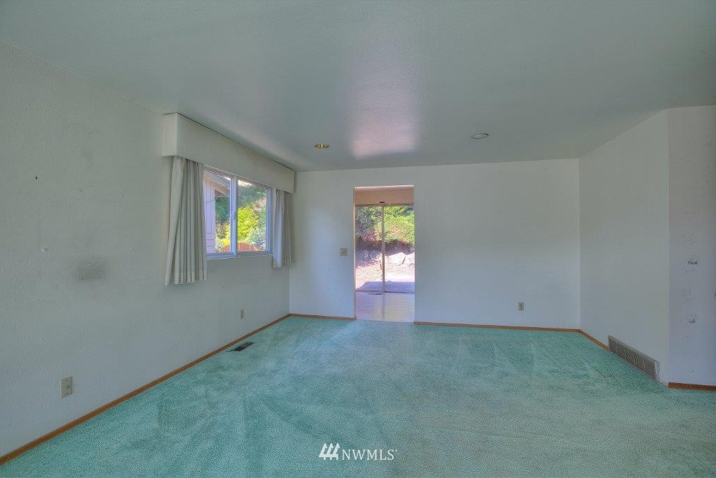 Sold Property | 2907 Harris Place S Seattle, WA 98144 7