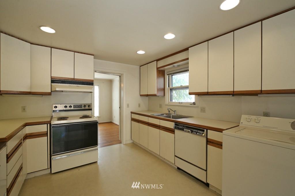 Sold Property   2442 35th Avenue W Seattle, WA 98199 6