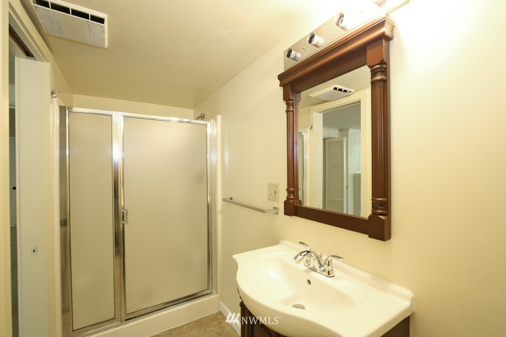 Sold Property   2442 35th Avenue W Seattle, WA 98199 11